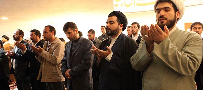 الشيعة ونظرية الحق الإلهي: الطائفة كحزب سياسي