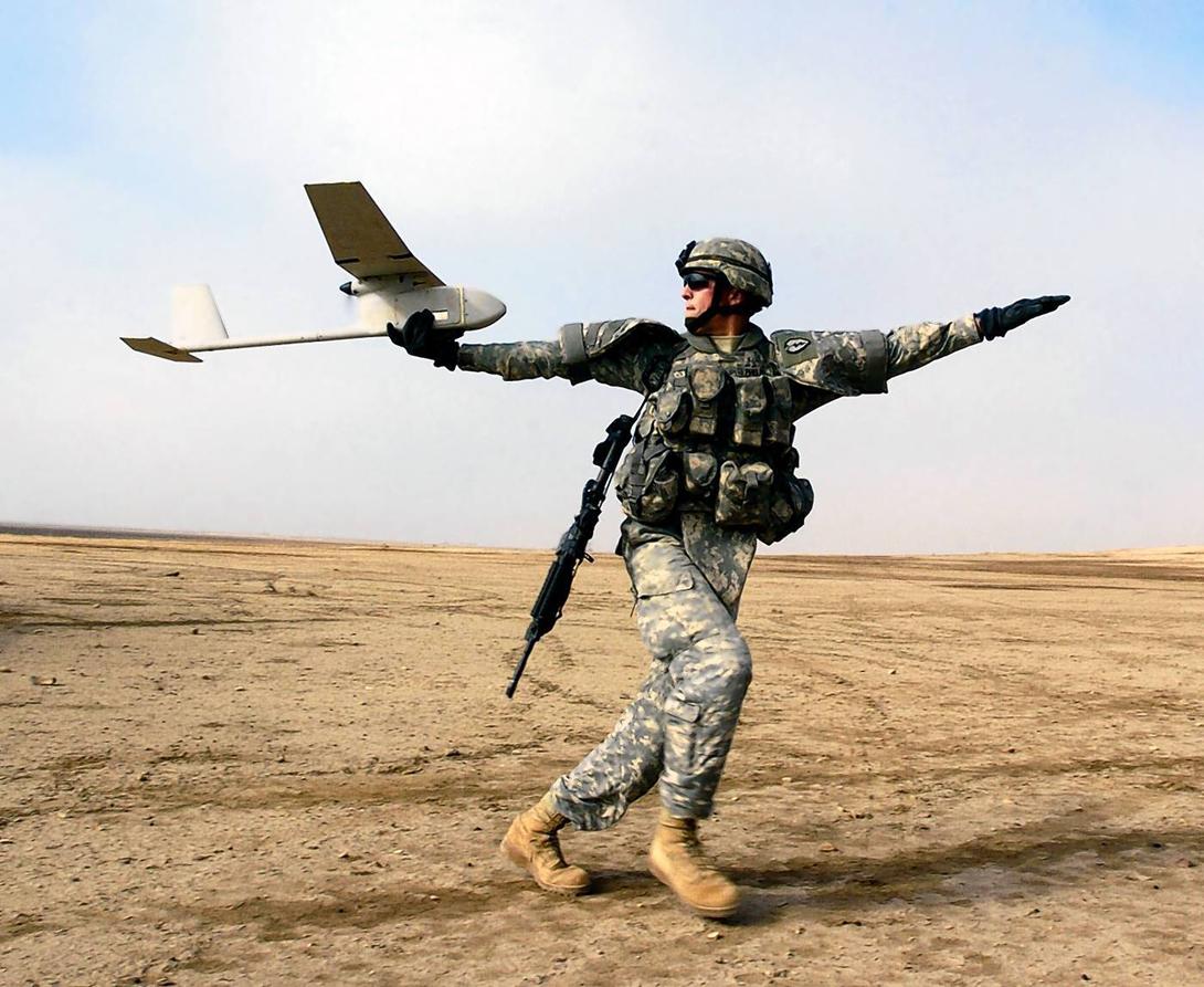علاقة حب قذرة مع الطائرات القاتلة بدون طيار